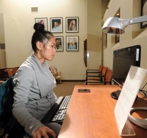 A Women's Community Clinic Client Using the Waiting Room Computer